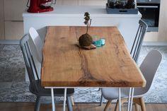 Stůl z jednoho kusu dřeva