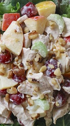 I love a good Waldorf Salad, with this you add delicious cuts of Roast Chic… OMG! I love a good Waldorf Salad, with this you add delicious cuts of Roast Chicken…. Healthy Snacks, Healthy Eating, Healthy Recipes, Waldorf Salat, Chicken Salad Recipes, Chicken Salads, Chicken Salad Recipe With Fruit, Roast Chicken Sandwich Recipes, Roast Chicken Salad