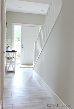 The 3 Best NOT BORING Paint Colours to Brighten Up a Dark Hallway Benjamin Moore Edgecomb Gray is a great greige or gray paint color to lighten and brighten a dark hallway or room by Kylie M Interiors Grey Paint Colors, Hallway Colours, Edgecomb Gray, Brighten Room, Dark Hallway, Hallway Paint Colors, Paint Colors For Living Room, Bright Paint Colors, Hallway Paint