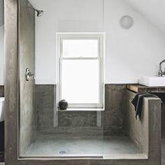 Minimalist concete shower room