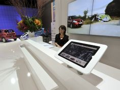 iPad Kiosk Exhibition Deskmount