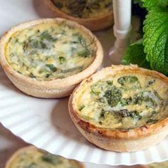 Quiche aux herbes - Arboulastre (recette médiévale) Quiches, Mini Pie Recipes, Mini Pies, Fresh Rolls, Baked Potato, Muffin, Veggies, Appetizers, Favorite Recipes
