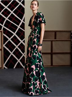 http://www.fashionsnap.com/collection/gucci/2015-16aw-pre/gallery/index19.php