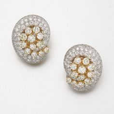 18K GOLD, COLORED AND NEAR COLORLESS DIAMOND EARRINGS