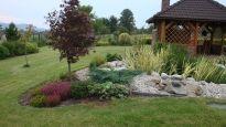 Realizace zahrady - Frýdek Místek Front Garden Landscape, Garden Landscaping, Stepping Stones, Outdoor Decor, Plants, Home Decor, Garden, Garten, Homemade Home Decor