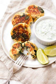 Kotlety z ziemniaków i szpinaku II Cooking for Emily Tzatziki, Coleslaw, Tahini, Palak Paneer, Quinoa, Bob, Cooking, Ethnic Recipes, Kitchen