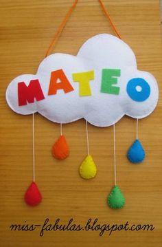 Baby name felt rainbow, cloud and drops of water - Nombre bebe con arco iris, nube y gotitas de lluvia en fieltro Felt Crafts, Diy And Crafts, Crafts For Kids, Sewing Crafts, Sewing Projects, Projects To Try, Diy Y Manualidades, Diy Bebe, Baby Shawer