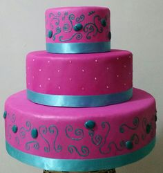 Pink e azul tiffanny. Ideal para 15 anos