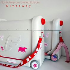 Head to Instagram or Facebook to WIN a LIMITED EDITION USA or Canada BedBox! Bed Legs, Flying With Kids, Hand Luggage, Travel Gadgets, Ultimate Travel, Travel With Kids, Canada, Your Child, Photo And Video