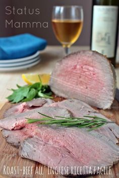 Roast beef all'inglese ricetta facile Beef Recipes, Italian Recipes, Recipies, My Favorite Food, Favorite Recipes, Eating Light, Aesthetic Food, Roasted Vegetables, Fantasy