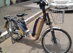 Bicicleta motorizada encontrada nas ruas de Caldas Novas - Go. - Brasil.