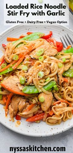 This loaded rice noodle stir fry with crispy garlic is such a dreamy dinner! Made with gluten free rice noodles, a ton of veggies, chicken (or tofu!), an easy stir fry sauce, and a crispy garlic scallion chili oil that is optional but SO delicious. The perfect thing to make when you're craving take out but looking for something a little bit healthier. Gluten free, dairy free, with a vegan / vegetarian option. Dinner Recipes Easy Quick, Easy Chicken Recipes, Healthy Dinner Recipes, Summer Recipes, Pasta Recipes, Healthy Noodle Recipes, Delicious Vegan Recipes, Yummy Noodles, Rice Noodles