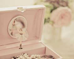 WANT. Ballerina music box! I used to have one of these but I don't know what happened to it.