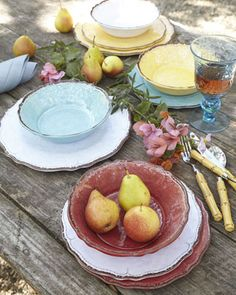 This heavyweight melamine dinnerware is so beautiful you won't believe it's not pottery http://rstyle.me/n/vdrwdnyg6