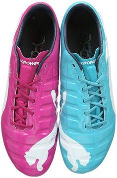 Unterwegs ... in Puma evoPOWER 1 Tricks Herren Fußballschuhe, mehrfarbig (beetroot purple - bluebird-white 01), http://www.amazon.de/dp/B00GPMPZQG/ Ach so ist das ... und ich dachte bisher doch glatt, dass man dafür zwei Paare kaufen muss. ;-)))