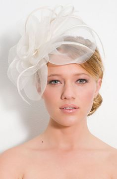Cara Accessories 'Pinwheel' Fascinator Headband available at Nordstrom White Fascinator, Wedding Fascinators, Fascinator Headband, Wedding Hats, Headpiece Wedding, Bridal Headpieces, Chic Wedding, Cute Headband Hairstyles, Cute Headbands