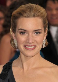 Kate Winslet may have practiced her Oscar acceptance speech with a shampoo bottle when she was eight years old, but back then, she didn't have makeup artist Jillian Dempsey on call for her makeup. Her look includes Avon blush in nude and Avon Pro eyeshadow trio in Ice Shimmer. Shop Avon at www.youravon.com/coloradoriver