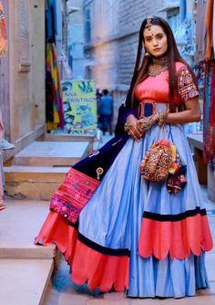 New Chaniya Choli & Blouse Designs for Navratri 2019 - LooksGud. Garba Dress, Navratri Dress, Lehnga Dress, Dress Skirt, Choli Blouse Design, Choli Designs, Latest Lehnga Designs, Indian Bridal Fashion, Indian Wedding Outfits