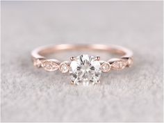 Cute Simple And Minimalist Engagement Ring You Want To https://bridalore.com/2017/12/15/simple-and-minimalist-engagement-ring-you-want-to/