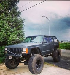 Jeep xj 8 inch long arm lift 35's