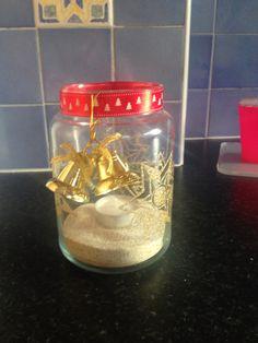 Decorated yankee jar