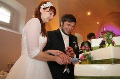 #Brautpaar beim #Anschnitt der #Hochzeitstorte