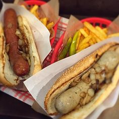 Magical Animal hand made gourmet sausages in Aoyama - awesome - 4件のもぐもぐ - Basil, Rosemary Bratwurst & Texas Hotlink by Samuel Naylor