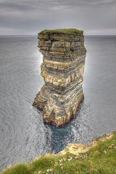 Downpatrick Head, County Mayo, Ireland *