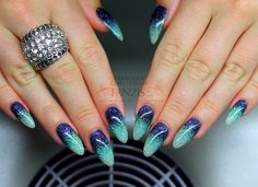 blue turquoise glitter nails in the nailgallery at www.fanzis.com
