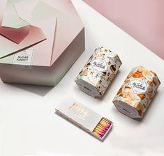 Votre coffret Sugar Addict ne remettra plus en doute vos envies. Vous n'aurez enfin plus besoin de choisir entre la Macaron Caramel et la Cupcake Noisettes pour le goûter ! Envies sucrées, gâteaux tous chauds, on sait que vous ne pourrez pas résister et cette fois-ci, on ne pourra pas vous en vouloir ! And for English people : #candle #fine #jewellery #rings #necklace #earrings #bedroom #woman #silver #girl #gift #packaging #design