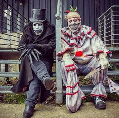Twisty and the Babadook Horror Movie Costumes, Horror Costume, Cosplay, Horror Wallpapers Hd, The Babadook, Es Der Clown, Horror Photos, Horror Makeup, Creepy Clown