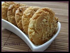 hindistancevizli fındıklı kurabiye – Fashion and Street Styles on Internet Köstliche Desserts, Delicious Desserts, Dessert Recipes, Rice Recipes, Cookie Recipes, Low Carb Crab Cakes, Pumpkin Coffee Cakes, Cinnamon Roll Cookies, Pastry Cake