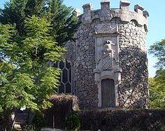 2. Castillo Douglas. Se halla en Aguascalientes y lo mando a construir en 1923 el empresario mexicano de origen escocés Edmundo Ortega Douglas, como símbolo de amor por su mujer. Es una réplica de un castillo medieval del sureste de Edimburgo, Escocia.