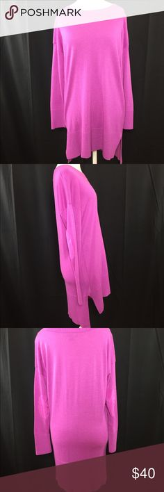"DKNY SWEATER Length Back Shoulder to hem 33"". Front 30"" shoulder to hem. Sweaters Crew & Scoop Necks"