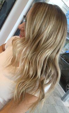 Photo from vivalablonde Bronde Hair, Blonde Bayalage, Natural Blondes, Cut And Color, Hair Makeup, Hair Cuts, Hair Beauty, Long Hair Styles, Hair Colors