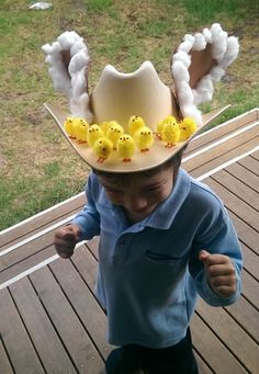 My son's school has an Easter Bonnet Parade next week, always a good reason to get some Easter crafting done! Easter Bonnets For Boys, Boys Easter Hat, Easter Hat Parade, Easter Bunny, Easter Eggs, Crazy Hat Day, Crazy Hats, Easter Crafts, Crafts For Kids
