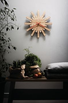Wall-mounted bamboo clock RAGGIANTE - @alessiofficial