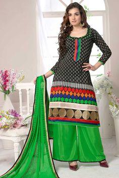 Pantalon de créateurs pour femmes sont maintenant en stock présenté par Andaaz Mode. Agrémentée de manches courtes Kameez, longueur au genou Kameez, U Neck Kameez. Ce est parfait pour Fête, Mariage, Festival, décontractés, de cérémonie