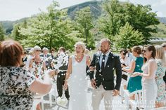 Love this moment! Candid wedding photography in Queenstown, New Zealand. Photography by Alpine Image Company
