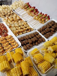 Corn on the cob Catering Buffet, Catering Food, Catering Display, Candy Bar Wedd… – Wedding Catering Party Food Buffet, Catering Buffet, Party Food Platters, Catering Food, Catering Display, Catering Ideas, Snacks Für Party, Appetizers For Party, Appetizer Recipes