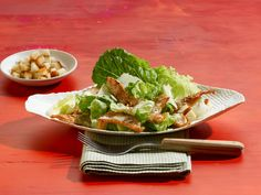 Caesar Salad - mit Putenstreifen - smarter - Kalorien: 295 Kcal - Zeit: 20 Min.   eatsmarter.de