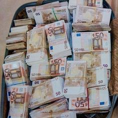 Money flows effortlessly with abundance to me....YES❗ I Lenda VL AM the June Lotto Jackpot Winner❗000 4 3 13 7 11:11 22Universe Thank You I AM Grateful❗