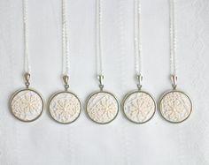 collane tessili con pizzo color avorio gioielli della damigella d'onore da skrynka