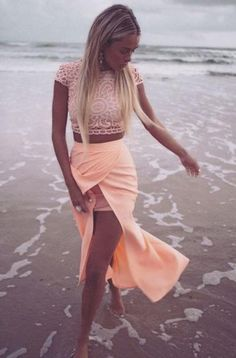 Sabo Skirt Crop Top and Skirt Size M Two Piece formal Sabo Skirt crop top and maxi skirt. More pictures coming Sabo Skirt Dresses Maxi Outfit Chic, Cool Outfits, Summer Outfits, Dress Summer, Moda Fashion, Fashion Trends, Trending Fashion, Fashion Lookbook, Look 2015