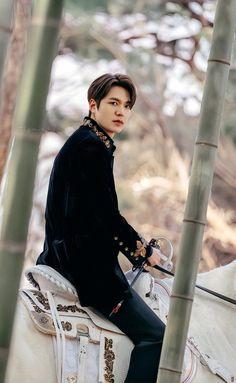Jung So Min, Boys Over Flowers, Asian Actors, Korean Actors, Lee Min Ho Family, Lee Min Ho Wallpaper Iphone, K Pop, Lee Min Ho Dramas, Jackson Movie