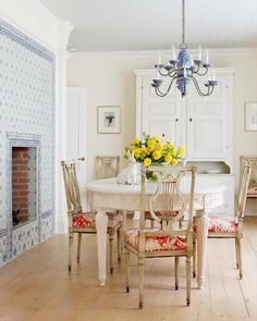 """421 Likes, 4 Comments - Better Homes & Gardens (@betterhomesandgardens) on Instagram: """"This country-feel dining room is giving us Spring fever! The delft tile fireplace ups the charm to…"""""""