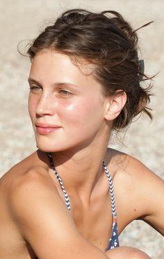 Summer Beauty marine vacht jeune et Jolie skin goals loa Young And Beautiful, Most Beautiful Women, Beautiful People, Beautiful Pictures, Beauty Makeup, Hair Beauty, No Makeup, Beauté Blonde, Jeanne Damas
