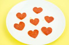 ThisPunny Valentine's Day Pizza gift would be the perfect idea to wake up a little early and make for your classmates or some of your co-workers. Making each of these little pizzas will take you less than 5 minutes, then all you have to do is bake and box.