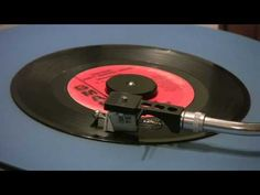 ▶ The Walker Bros. - The Sun Ain't Gonna Shine (Anymore) - 45 RPM - Mono Mix - YouTube