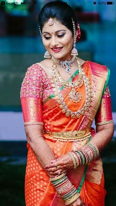 Latest Kanjeevaram Bridal sarees with contrast blouse combinations which gives an insight into trendy bridal wear South Indian Bridal Jewellery, Indian Bridal Fashion, Indian Wedding Jewelry, Bridal Jewelry, Gold Jewelry, Indian Jewelry, Gold Necklace, Diamond Necklaces, Bridal Necklace